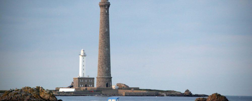 Finistère: L'île Vierge et son phare veulent garder les touristes pour la nuit