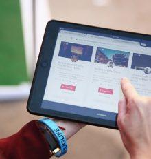 Airbnb: Un accord signé avec les maires ruraux pour développer le tourisme dans les campagnes françaises