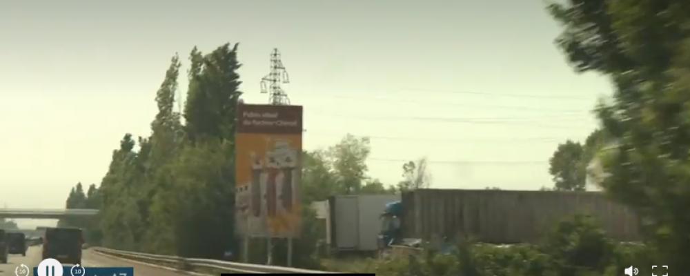 Autoroutes : l'histoire des panneaux touristiques