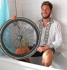 Vélo. J'irai me doucher chez vous