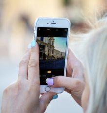 La moitié des Français se tourne vers les réseaux sociaux pour choisir leur destination